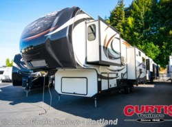 Used 2014  Keystone Alpine 3010RE by Keystone from Curtis Trailers in Portland, OR