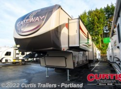 Used 2015  Heartland RV Gateway 3900RE by Heartland RV from Curtis Trailers in Portland, OR