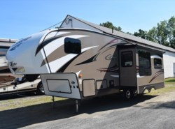 Used 2015  Keystone Cougar XLite 26RLS by Keystone from Diamond RV Centre, Inc. in West Hatfield, MA