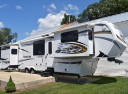 Used 2014  Keystone Montana 3850FL by Keystone from Diamond RV Centre, Inc. in West Hatfield, MA