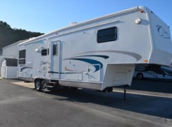 Used 2001  Carriage Cameo 329RL by Carriage from Diamond RV Centre, Inc. in West Hatfield, MA