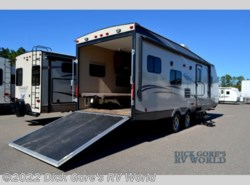 Used 2015  Coachmen Freedom Express 271BL by Coachmen from Dick Gore's RV World in Jacksonville, FL