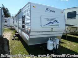 Used 2005  Forest River Sierra 31FBSS by Forest River from Driftwood RV Center in Clermont, NJ