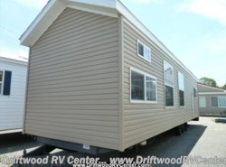 Used 2015  Fairmont Country Manor 120301 by Fairmont from Driftwood RV Center in Clermont, NJ