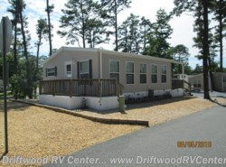 Used 2010  Canterbury Park Models  1238CK2-DW by Canterbury Park Models from Driftwood RV Center in Clermont, NJ