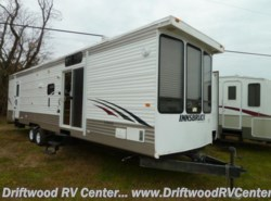 Used 2012  Gulf Stream Innsbruck 408TBS by Gulf Stream from Driftwood RV Center in Clermont, NJ