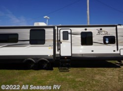 New 2016  Jayco Jay Flight 33RLDS by Jayco from All Seasons RV in Muskegon, MI