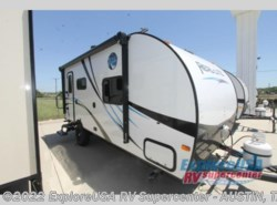 New 2017  Palomino Real-Lite Mini 19-S by Palomino from ExploreUSA RV Supercenter - KYLE, TX in Kyle, TX