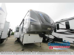 New 2016  Dutchmen Voltage V-Series V3305 by Dutchmen from ExploreUSA RV Supercenter - SEGUIN, TX in Seguin, TX