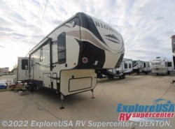 New 2017  Heartland RV Bighorn Traveler 39MB by Heartland RV from ExploreUSA RV Supercenter - DENTON, TX in Denton, TX