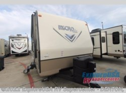 New 2017  Forest River Flagstaff Micro Lite 25BHS by Forest River from ExploreUSA RV Supercenter - DENTON, TX in Denton, TX