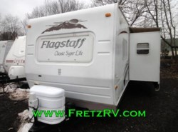 Used 2009  Forest River Flagstaff Classic Super Lite Travel Trailer 831BHSS by Forest River from Fretz  RV in Souderton, PA
