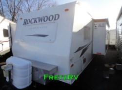Used 2009  Forest River Rockwood Ultra Lite Travel Trailer 2607SS by Forest River from Fretz  RV in Souderton, PA