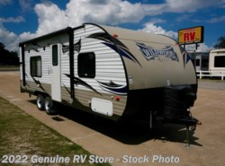 Used 2015  Forest River Wildwood X-Lite 241QBXL by Forest River from Genuine RV Store in Nacogdoches, TX