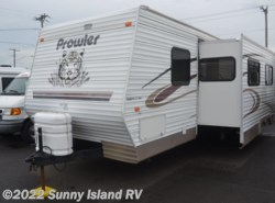 Used 2004  Fleetwood Prowler  270FQS by Fleetwood from Sunny Island RV in Rockford, IL