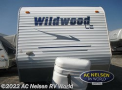 Used 2008  Forest River Wildwood LE 29BH by Forest River from AC Nelsen RV World in Omaha, NE