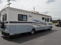 Used 2005  Fleetwood Fiesta 32V by Fleetwood from Delmarva RV Center in Seaford in Seaford, DE