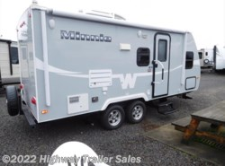 Used 2015  Winnebago Minnie 2101DS by Winnebago from Highway Trailer Sales in Salem, OR