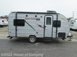 New 2017  Sunset Park RV EZTraveler SUNLITE 19 RD by Sunset Park RV from House of Camping in Bridgeview, IL