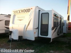 Used 2012  Forest River Rockwood Signature Ultra Lite 8319SS by Forest River from I-35 RV Center in Denton, TX