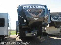 Used 2015  Heartland RV Cyclone RVs CY 4100 KING by Heartland RV from I-35 RV Center in Denton, TX