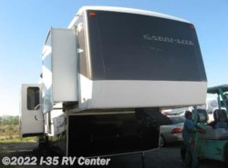 Used 2009  Carri-Lite  CL36XTRM5 by Carri-Lite from I-35 RV Center in Denton, TX