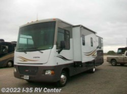 Used 2011  Winnebago Vista 30W by Winnebago from I-35 RV Center in Denton, TX