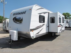 Used 2013  Forest River Wildwood 26TBSS 28' by Forest River from Kennedale Camper Sales in Kennedale, TX