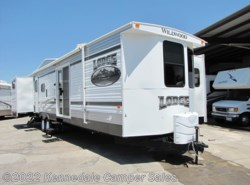 Used 2014  Forest River Wildwood Lodge Series 404X4 41' by Forest River from Kennedale Camper Sales in Kennedale, TX