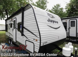 New 2017  Jayco Jay Flight SLX 212QBW by Jayco from Keystone RV MEGA Center in Greencastle, PA
