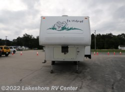 Used 2003  Forest River Wildcat 28BH by Forest River from Lakeshore RV Center in Muskegon, MI