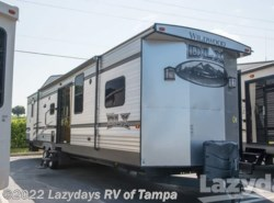 Used 2015  Forest River Wildwood DLX 426-2B