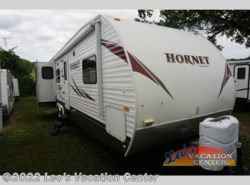 Used 2010  Keystone Hornet 31RLDS by Keystone from Leo's Vacation Center in Gambrills, MD