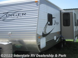 Used 2015  CrossRoads Zinger ZT27RL by CrossRoads from Maximum RV in Mathis, TX