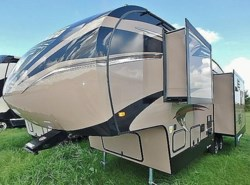 New 2017  Winnebago Voyage 28SGS by Winnebago from McClain's Longhorn RV in Sanger, TX