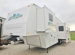 Used 2000  Fleetwood Wilderness 32SF by Fleetwood from McClain's Longhorn RV in Sanger, TX