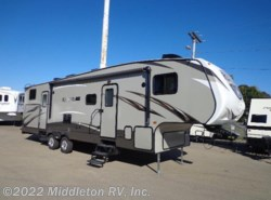 Used 2016  CrossRoads Rezerve RFZ31BH by CrossRoads from Middleton RV, Inc. in Festus, MO