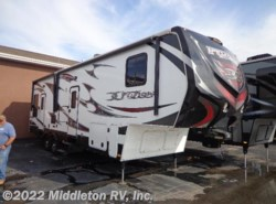 Used 2013  Keystone Fuzion 310 by Keystone from Middleton RV, Inc. in Festus, MO