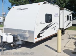 Used 2010  Coachmen Freedom Express 280RLS by Coachmen from Mid-State RV Center in Byron, GA
