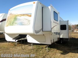 Used 2004  Keystone Mountaineer 318BHS by Keystone from Mid-State RV Center in Byron, GA