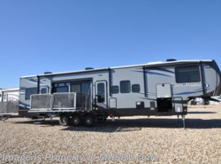 Used 2017  Heartland RV Road Warrior W/ 3 Slides Model 427RW, 2 patios, Bath & 1/2 by Heartland RV from Motor Home Specialist in Alvarado, TX