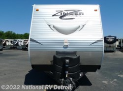 New 2017  CrossRoads Zinger ZT32SB by CrossRoads from National RV Detroit in Belleville, MI