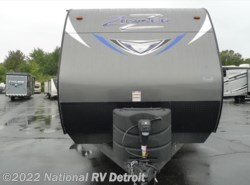 New 2017  CrossRoads Zinger ZT27BK by CrossRoads from National RV Detroit in Belleville, MI