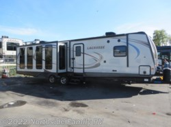 Used 2016  Prime Time LaCrosse 328 RES by Prime Time from Northside RVs in Lexington, KY