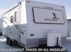 Used 2005  Fleetwood Mallard 210CKS by Fleetwood from Paul's Trailer & RV Center in Greenleaf, WI