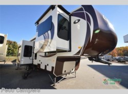 New 2016  Palomino Columbus F381FL by Palomino from Campers Inn RV in Tucker, GA