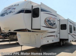 Used 2013  Keystone Montana Hickory 3150RL by Keystone from PPL Motor Homes in Houston, TX