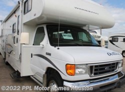 Used 2006  Winnebago Outlook 31C by Winnebago from PPL Motor Homes in Houston, TX