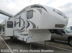 Used 2014  Keystone Cougar Lite 29RET by Keystone from PPL Motor Homes in Houston, TX