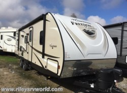 New 2017  Coachmen Freedom Express 275BHS by Coachmen from Riley's RV World in Mayfield, KY